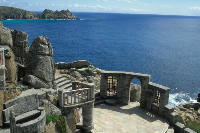 minack-theatre-porthcurno-cornwall-overlooking-atlantic-ocean