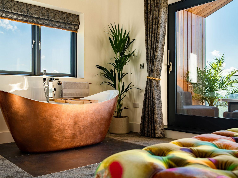 Copper bathtub at Sea the View