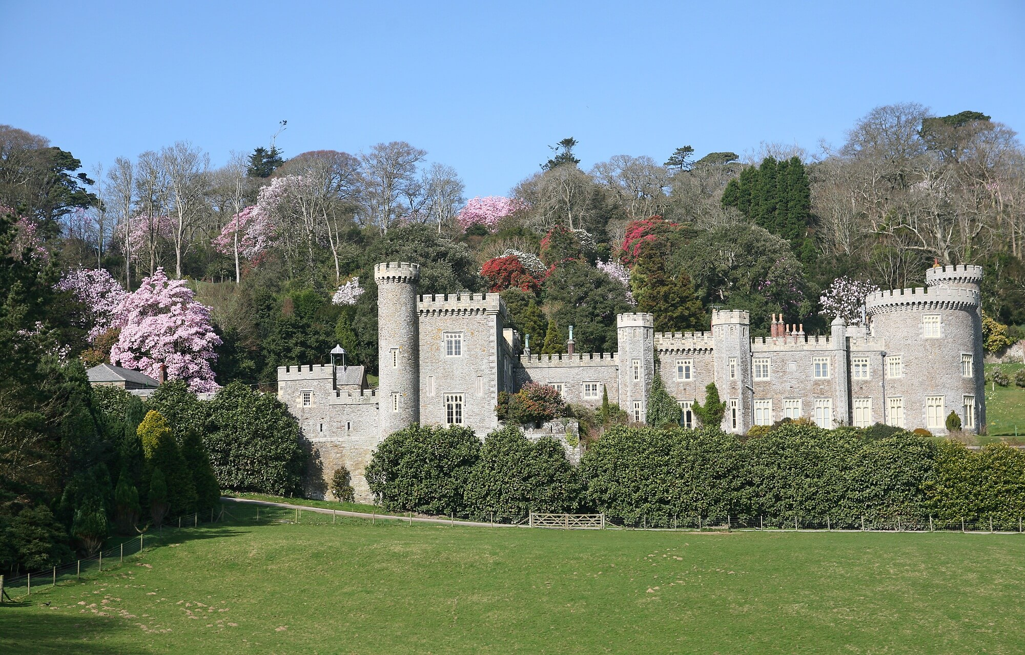 Castles in Cornwall - Caerhays Castle
