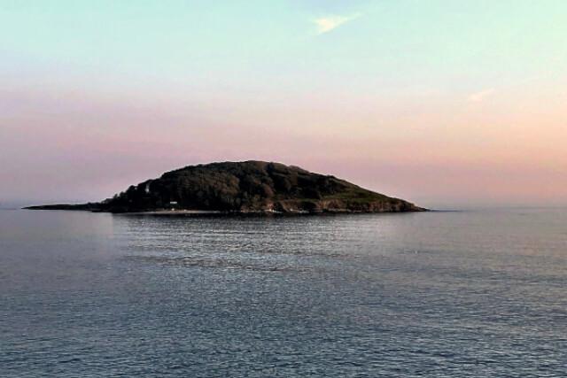 looe-island-at-sunset